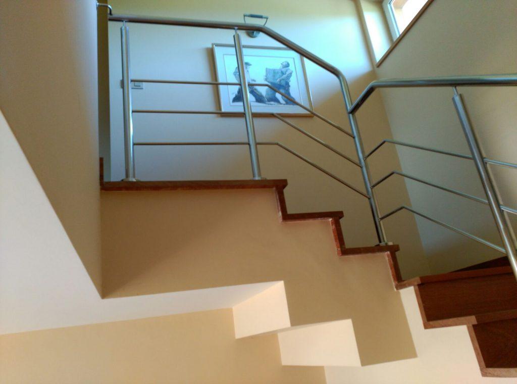 Barandilla inox en escaleras interiores montajes ezkur - Barandillas escaleras interiores ...