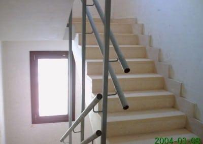 Huecos de escalera tubular