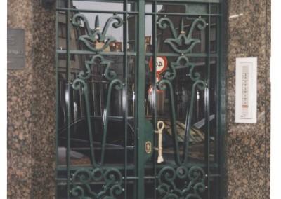 Puertas de portal de forja replicas